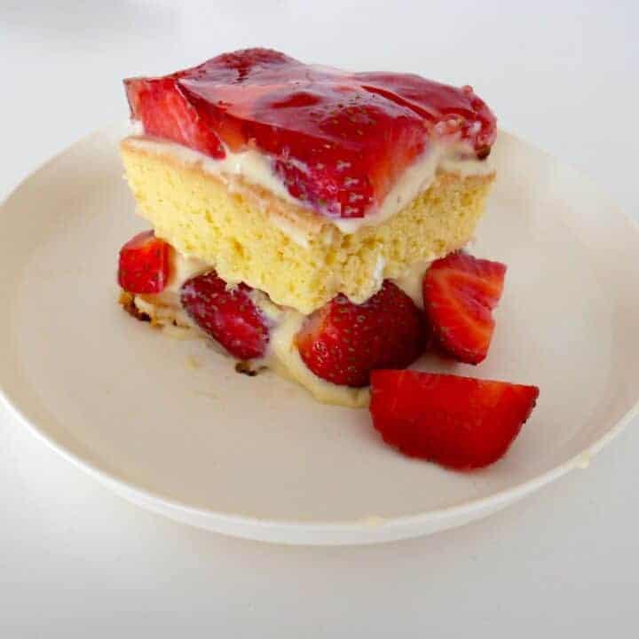 Strawberry Custard Sponge Cake