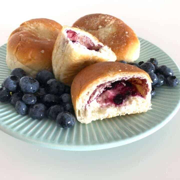 Jagodzianki - Polish Blueberry Buns Recipe