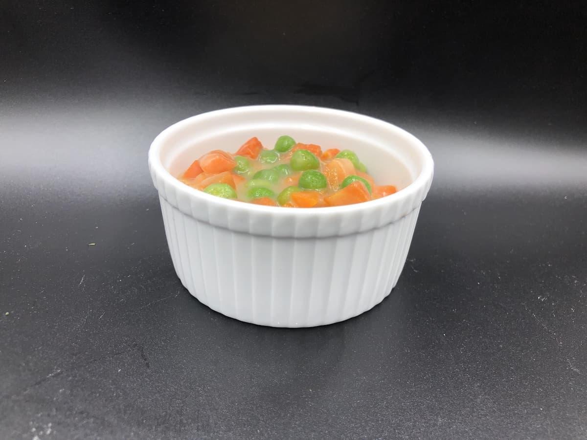 groszek z marchewką carrot with green peas.