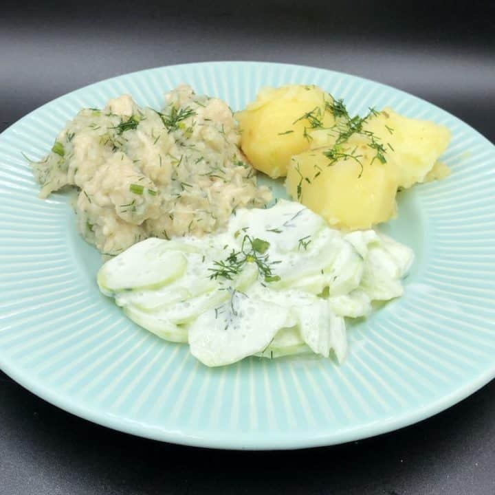 Turkey meat in dill sauce with potatoes and mizeria.