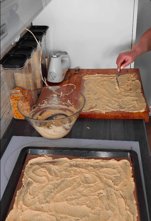 Creating a layer of the karpatka crust.